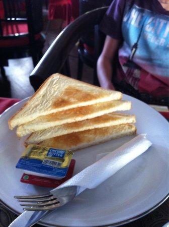 Sanur Agung Hotel: Завтрак - тосты