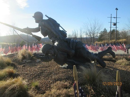 National D-Day Memorial: dragging his buddy