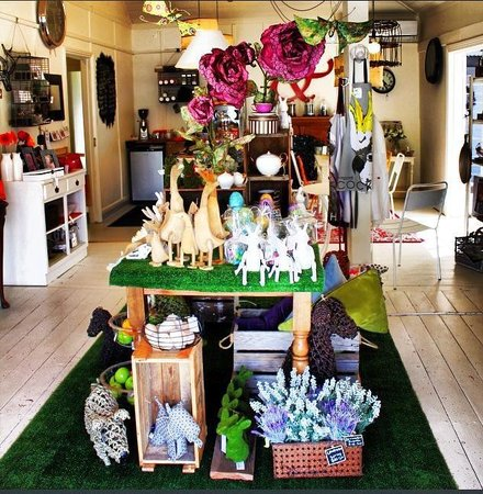 Rutherford&Maine: Explore our range of Gifts, soft furnishings and decorator items. Winter wraps, scarfes, gloves,
