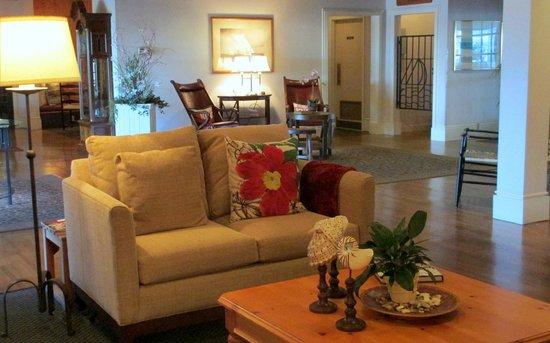 Nantucket Inn : Our beautiful and spacious lobby