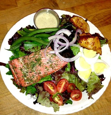 Wild Pear : Herb Roasted Salmon Nicoise Salad