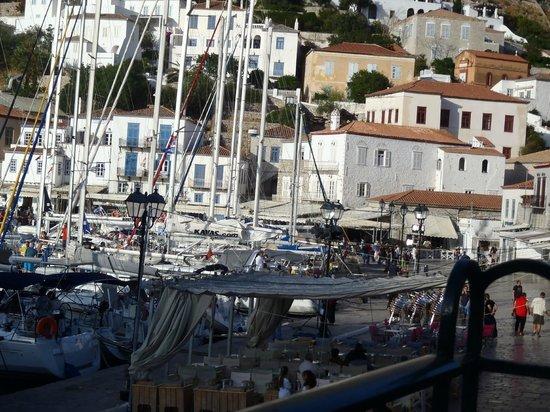 Hotel Sophia: Yacht party!