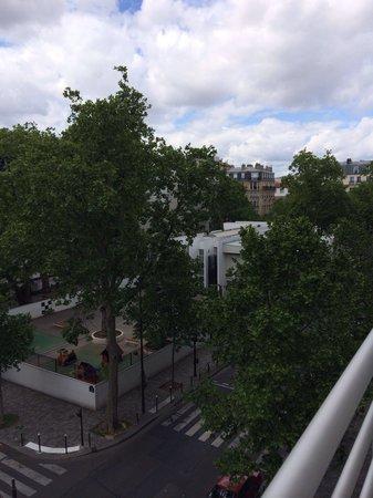 Kyriad Hotel Paris Bercy Village : vista del balcon!!