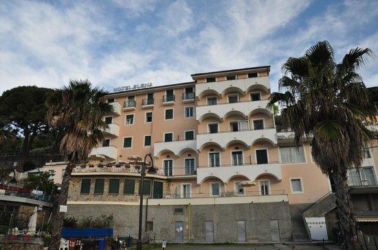 Hotel Elena : ホテルの全貌