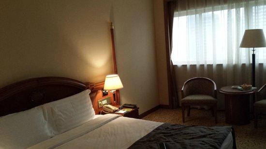 Gitic Riverside Hotel : Room