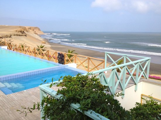 Chicama Surf Hotel & Spa: Swimming pool and outdoor jacuzzi