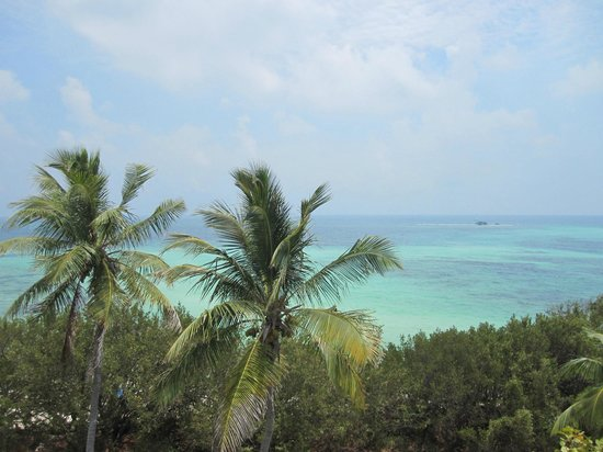 Bahia Honda State Park and Beach: View of the ocean from the old railroad bridge