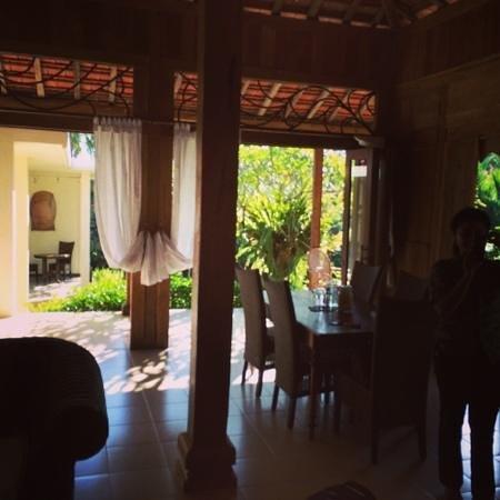 Umajati Retreat : The villa
