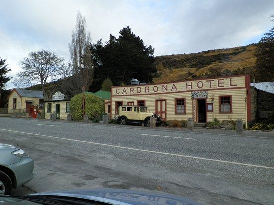 Cardrona Hotel: the setting