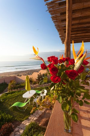 Villa Taghazout Bay - La Clé des Agadirs : Bunch of flowers for the birthday girl.
