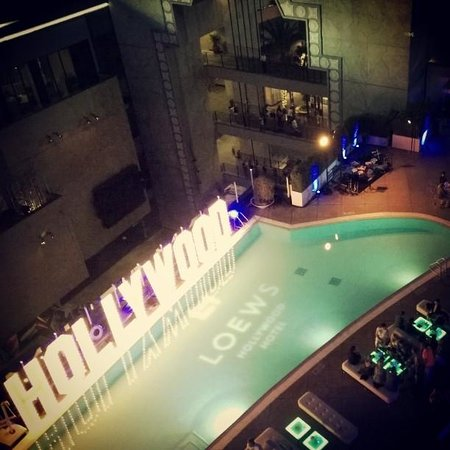 Loews Hollywood Hotel : great for parties!!