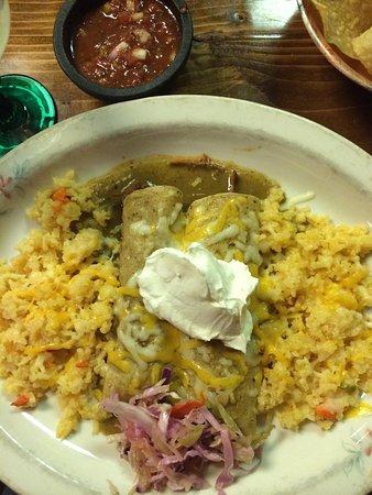 Casa Ramos II: Enchiladas Suiza with rice
