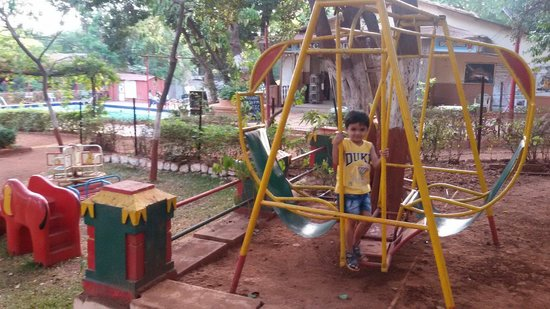 Gujarat Bhavan Hotel: So much to play
