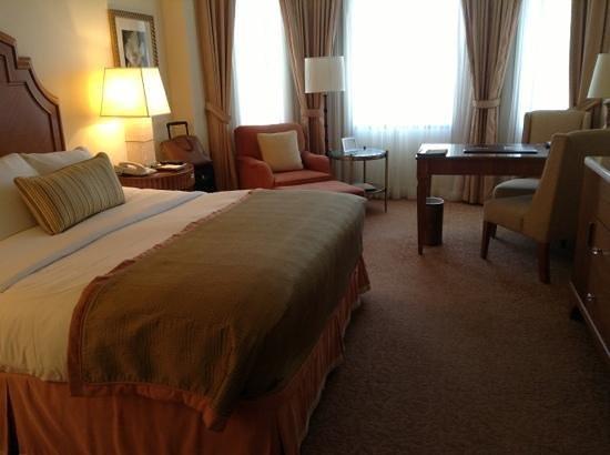 The Ritz-Carlton, Buckhead: Room 817