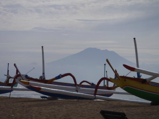 Besakih Beach Hotel: Mt Agung from beach