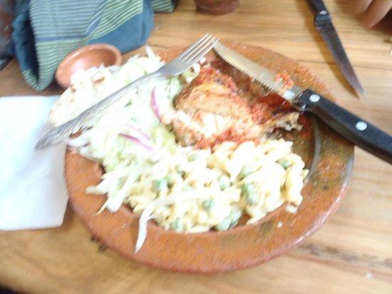 Rincon Tipico: Almuerzo de pollo