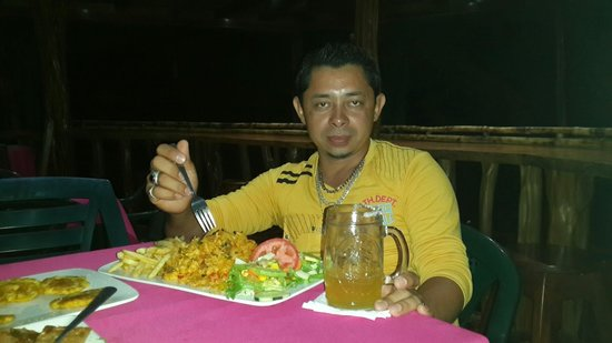 Soda Tiquicia: El plato de la casa.  Arroz tiquicia. Muy rico.