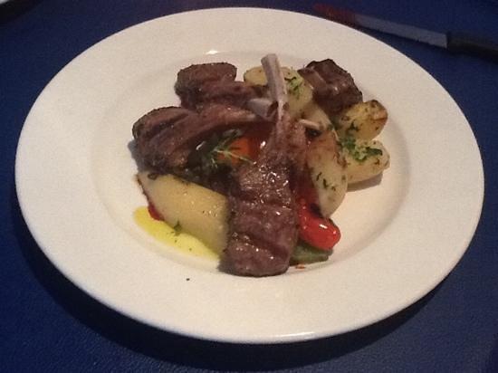 ZINO'S Greek Restaurant: Lamb Chop Special