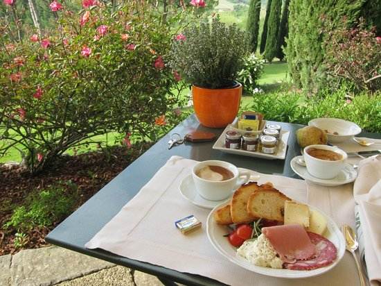 Castello di Spaltenna Exclusive Tuscan Resort & Spa: The best breakfast ever...