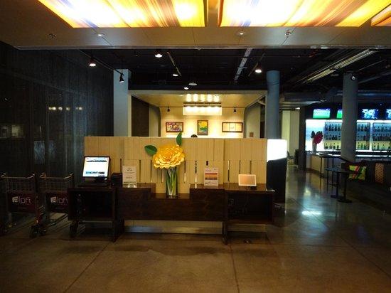 Aloft Bogotá Airport: Lobby