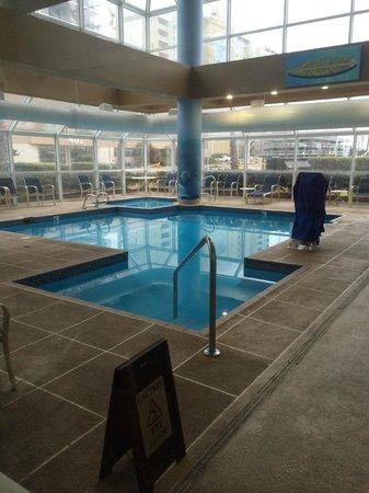 Ocean Key Resort: Pool area