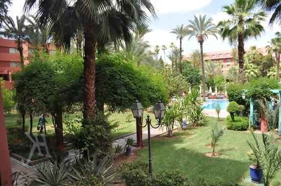 Hotel Kenzi Farah: le parc la piscine