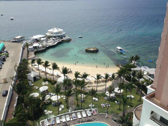 "Movenpick Hotel Mactan Island Cebu: Artificial beach and ""Ibiza"""