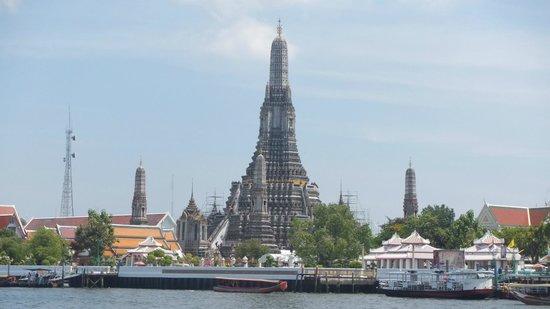 Wat Arun (Tempel der Morgenröte): 昇ってみたい