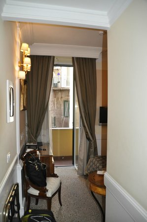 Boutique Hotel Trevi : View from door to Balcony