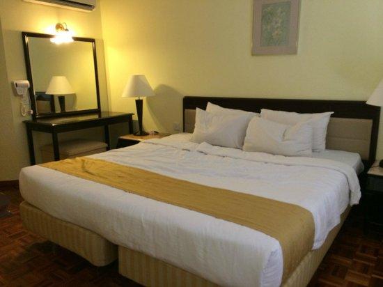 Lotus Desaru Beach Resort : The Bed