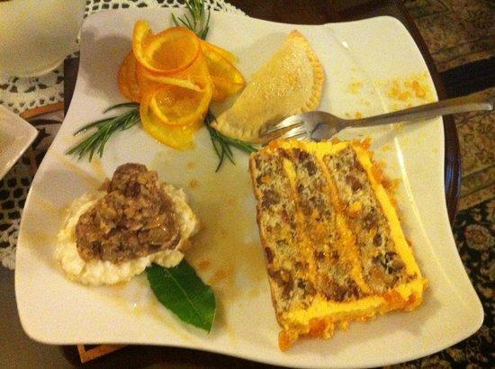 Hotel Pasike: Torta Split - uma combinação de frutas secas e nozes! muito boa!
