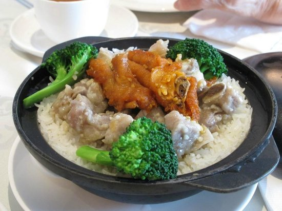 Paramount Chinese Cuisine: Steam Rice Super Sized $3