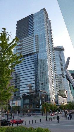 Fairmont Pacific Rim : Hotel exterior