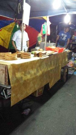 Langkawi Night Market: Sweet pancake things with filling