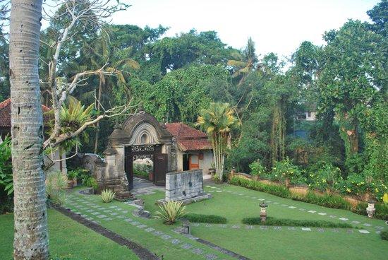 Hotel Villa-Ubud: View of the entrance