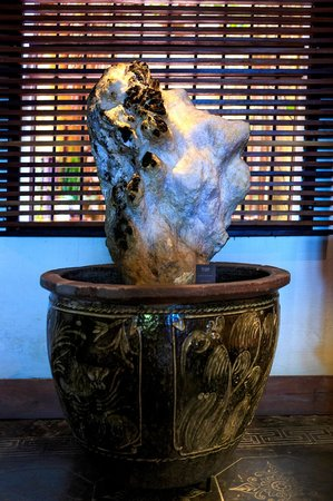 GAM Gemstone Art Museum & Winebar: gemstone minerals
