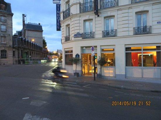 Hôtel At Gare du Nord: Outside Photo