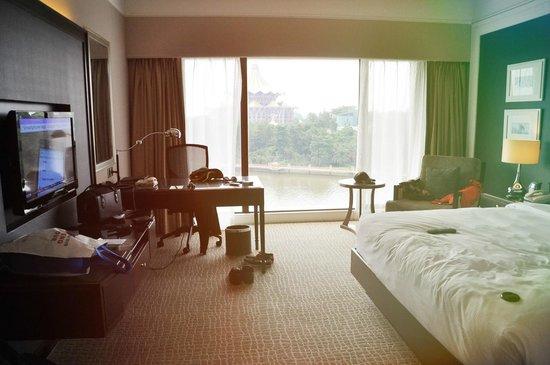 Hilton Kuching: room