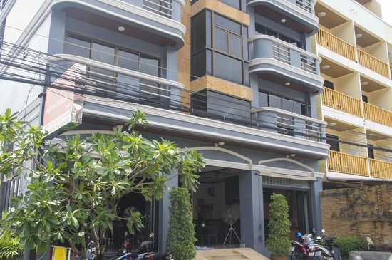 Arimana Hotel entrance