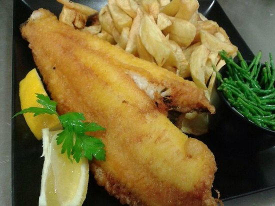 Atlantic Fish Bar & Restaurant: Plaice and chips with a side of samphire!