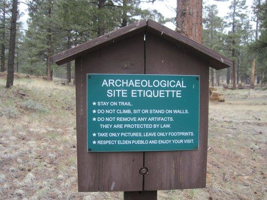 Elden Pueblo : Archaeological Site Sign