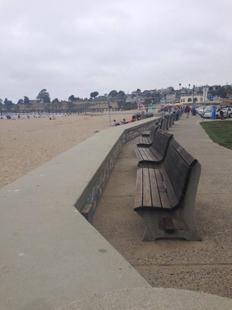 Capitola City Beach: Benches