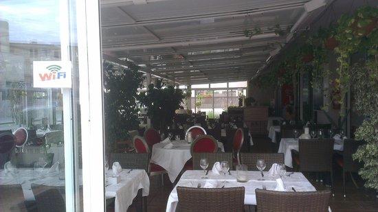 Cafe de Paris: TERRAZA CUBIERTA