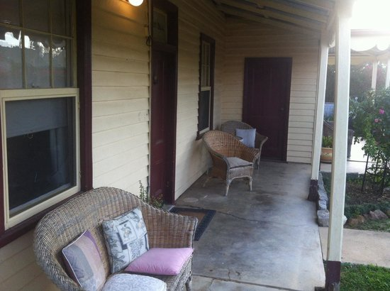 Marazion Villas: Front Porch
