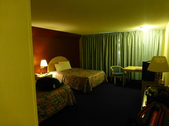 Red Roof Inn Fresno - Yosemite Gateway: De kamer