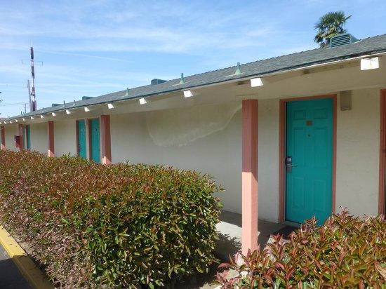 99 Palms Inn & Suites: Het motel
