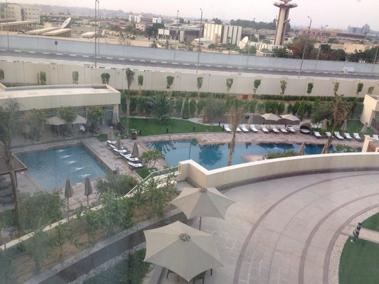 Le Meridien Cairo Airport: View from room on swimming pools