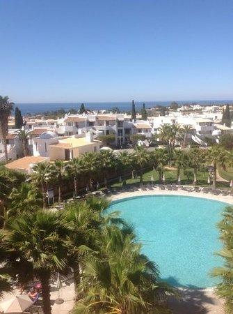Sao Rafael Suites: one of the pools
