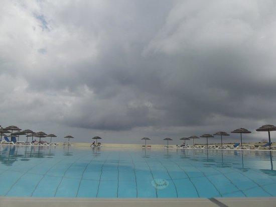 Eden Roc Resort Hotel & Bungalows: Piscine de l'hôtel