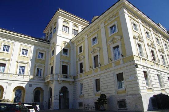 Palazzo Montemartini: L'hotel
